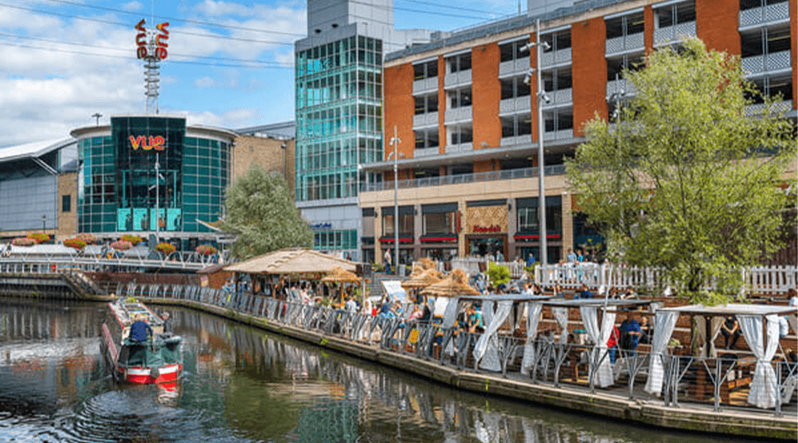 Page title: Living in Reading: A Bona Fide Berkshire Hotspot | Essential Living